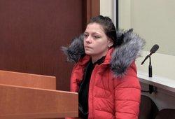 Vaistais vaikus raminusi motina išgirdo nuosprendį: dvejus metus ją griežtai stebės