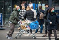 Lietuvos bankas: juodžiausio scenarijaus pavyks išvengti