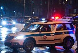 Motociklo ir automobilio avarija Širvintose: gali būti prispaustas žmogus