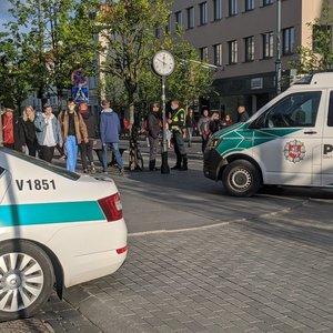 Vilniuje dviratininkas partrenkė žmogų, kuris išvežtas į ligoninę