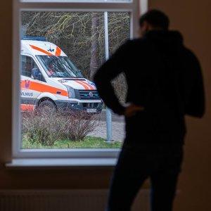 Klaipėdietis piktinasi medikų darbu, šie atkerta – pacientė buvo girta ir filmavo