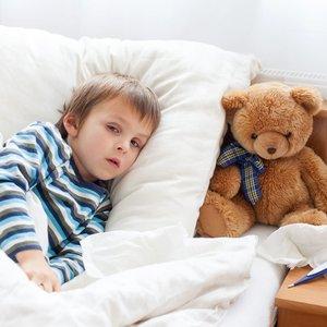 Įspėja tėvus – vaikams koronavirusas gali pasireikšti reta liga