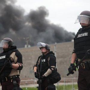 JAV areštuotas policininkas, kaltinamas nužudęs sulaikytą juodaodį