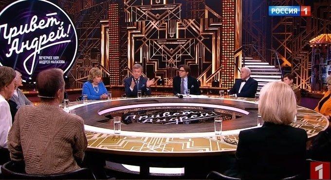 Levas Leščenka dalyvauja televizijos laidos filmavime