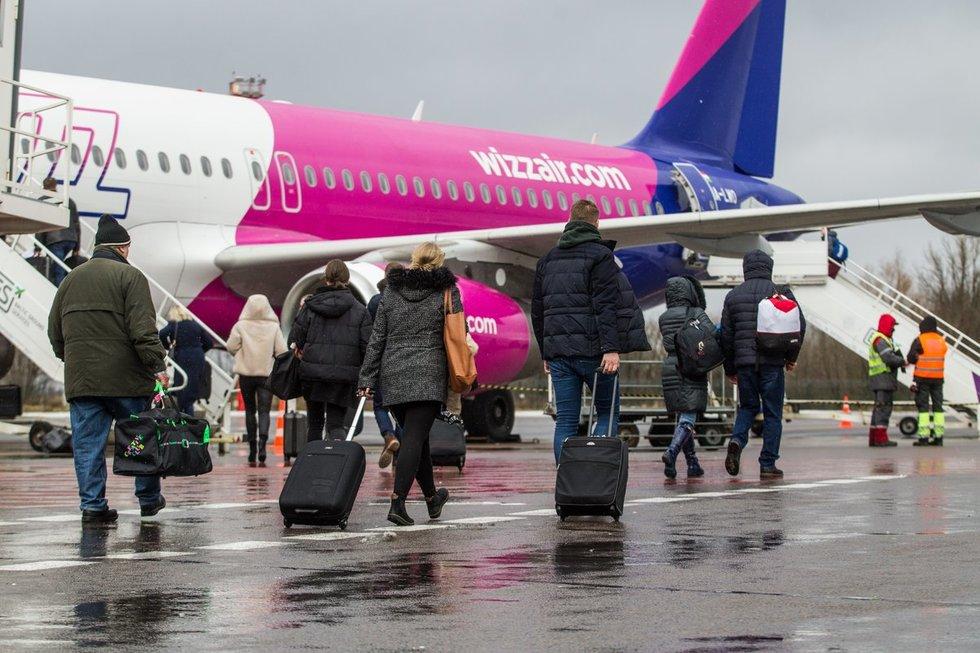 """""""Wizz Air"""" priėmė sprendimą: stabdys skrydžius į Lietuvą"""