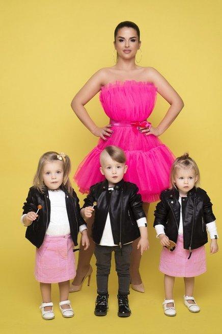 Simona Lipnė su šeima (Mikita Photography)