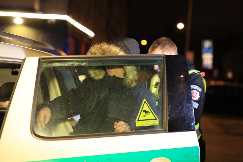 Stulpelius išvartęs girtas vairuotojas sučiuptas už kelių kilometrų (nuotr. Broniaus Jablonsko)