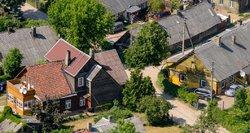 Nekilnojamojo turto mokestis stringa: kodėl gyvenantis Akmenėje turėtų mokėti, o Vilniuje – ne?