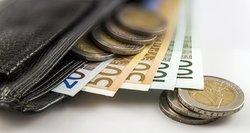 Pasipylė pasiteisinimai, kodėl naujasis urėdijų vadovas uždirba virš  5 tūkstančių eurų
