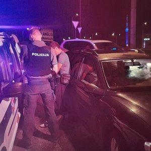 """Vilniuje naktį sulaikytas girtutėlis """"Opel"""" vairuotojas"""