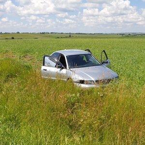 Eismo įvykis netoli Alytaus: automobilis atsidūrė laukuose