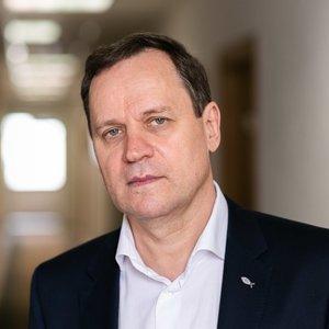 Tomaševskis apie rinkimus – puse lūpų: pasakoja versijas, kas siekia iš posto išversti Narkevičių