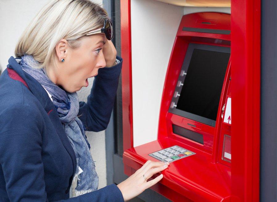 Grynųjų pinigų išėmimas (nuotr. Fotolia.com)