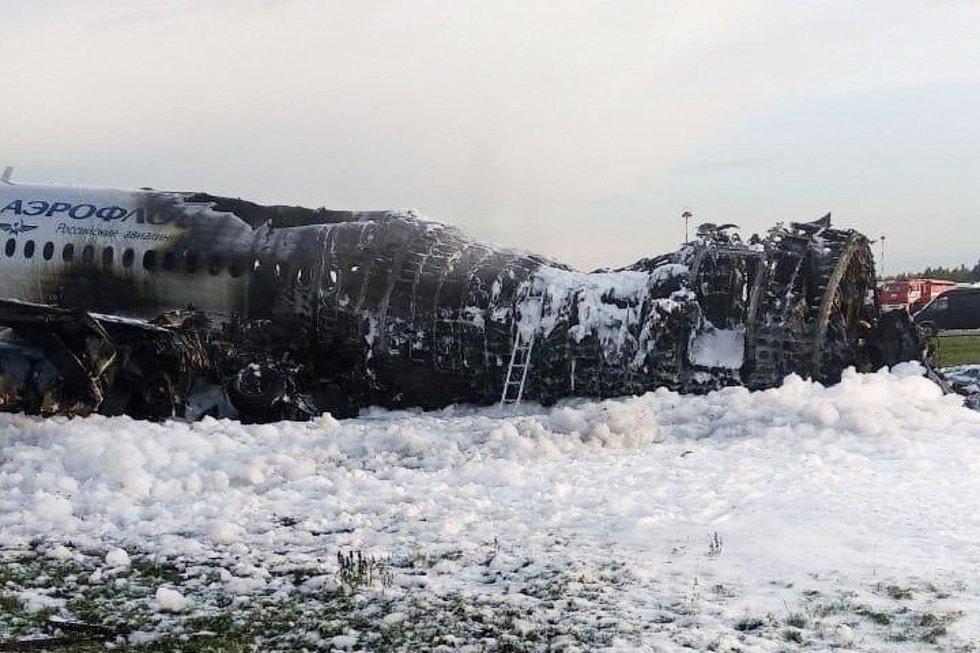 """""""Ten jau nebuvo ką gelbėti"""": lėktuvo keleiviai papasakojo apie mirtiną skrydį (nuotr. SCANPIX)"""