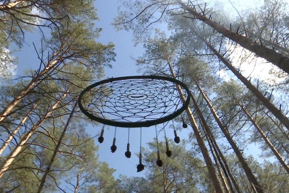 Indėnų legendomis apipintos sapnų gaudyklės rekordas pasaulyje priklauso Lietuvai (nuotr. stop kadras)