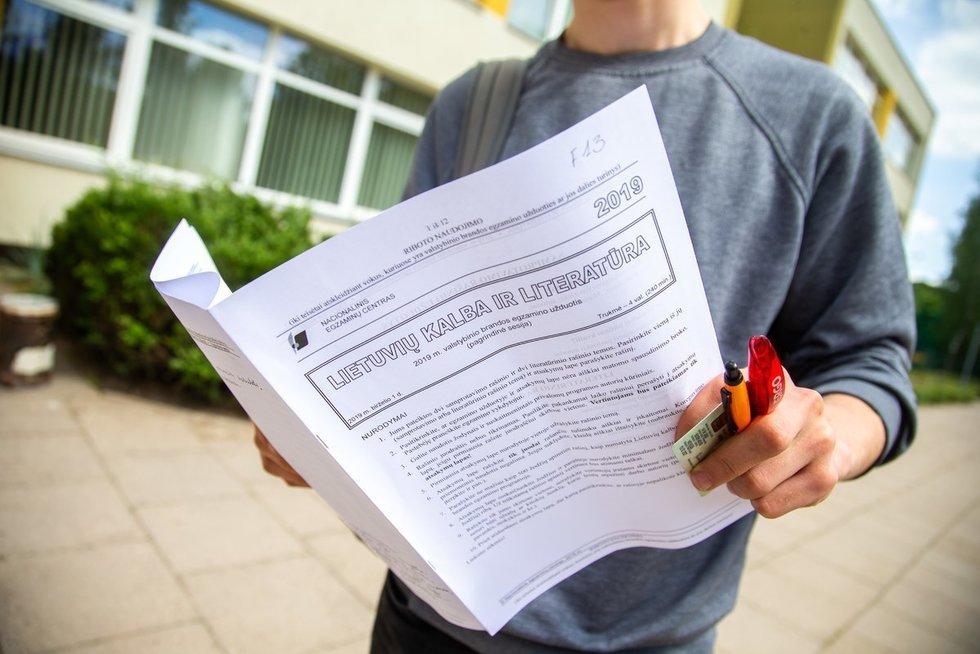 Valstybinis lietuvių kalbos ir literatūros egzaminas (nuotr. Fotodiena/Justino Auškelio)