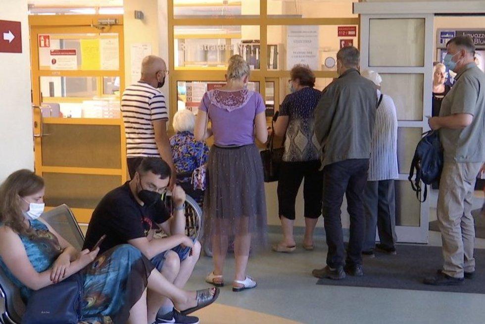 Prie skubios pagalbos skyriaus sostinėje rekordinės pacientų eilės