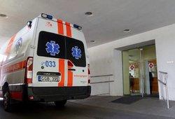 Garbingas amžius nelygus oriai senatvei: Biržų rajone vyras medikams pakliuvo kirmelėtomis kojomis