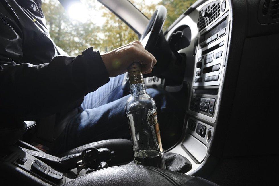 Vairuoja išgėręs (nuotr. Fotodiena.lt)