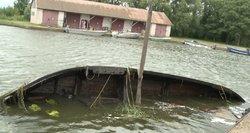 Uoste iškeltas kurėnas: marios laivo lengvai negrąžino