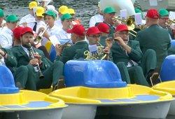 Lietuvoje –Gineso rekordas? Minint Žalgirio mūšio metines Galvės ežere koncertavo 100 muzikantų