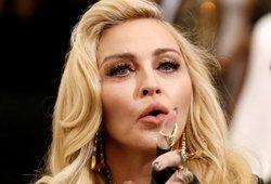 Vonios kambaryje nusifotografavusi Madonna sulaukė netikėtos reakcijos: gerbėjai netikėjo, kad ten ji