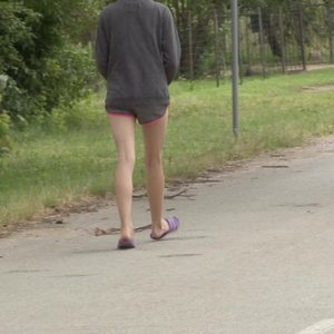 Iš globėjų atimtą mergaitę grąžino į namus, kuriuose – ją išprievartauti bandęs jaunuolis