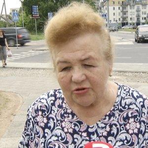 Senjorai įsiutę: pensijos gauna 300 eurų, o už butą moka 320
