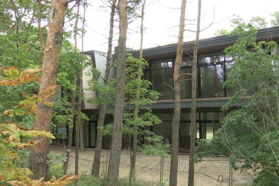 Naujas pastatas Palangoje (nuotr. stop kadras)