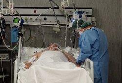 Neramumai Abromiškių ligoninėje: Covid-19 sergantis uzbekas grasina medikams užkrėsti kitus