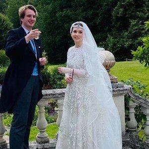 Atšoktos pirmosios karališkos vestuvės COVID-19 metu: situacija kiek pakoregavo planus