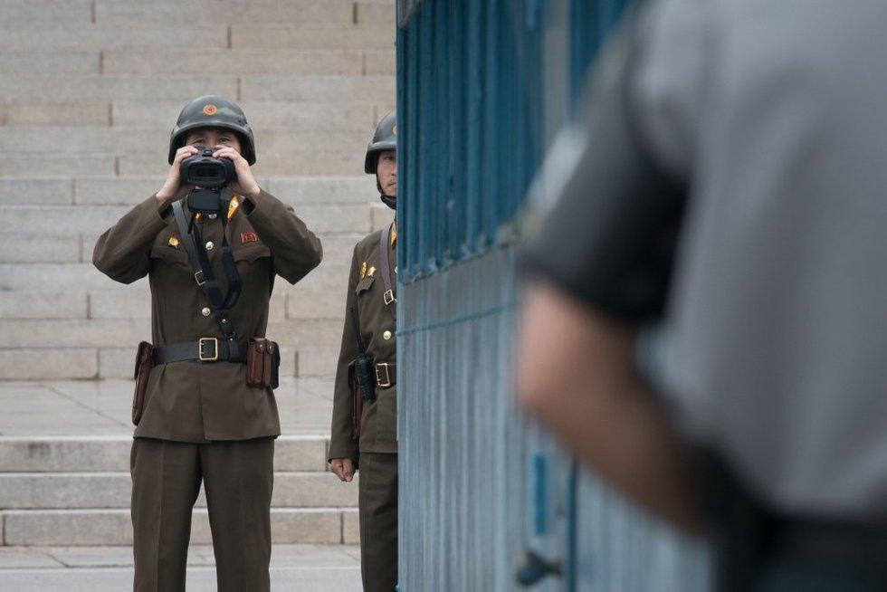 """JAV Kongresą gavo perspėjimą dėl Šiaurės Korėjos ginkluotės, kuri """"išnaikins 90 proc. populiacijos"""" (nuotr. SCANPIX)"""