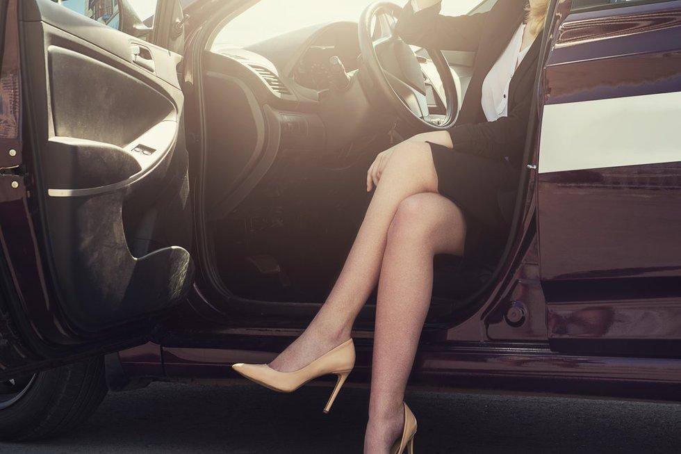Vairuoja su aukštakulniais (nuotr. Fotolia.com)