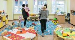 Neįtikėtina: tėvai įtaria, jog lopšelio auklėtoja muša vaikus