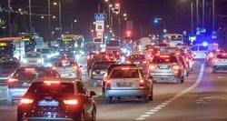 Masinis chaosas keliuose: ką daryti, jei nenori laukti spūstyse