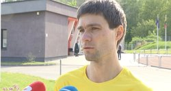Sportinio ėjimo atstovas Marius Žiūkas išbando Seimo kanclerio darbą
