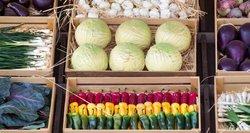 """""""Auksiniai"""" vaisiai ir daržovės: kodėl už kai kuriuos šiemet mokame daug daugiau"""