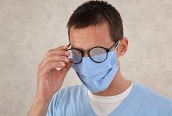 Dėvint kaukę rasoja akiniai? Padės ši gudrybė