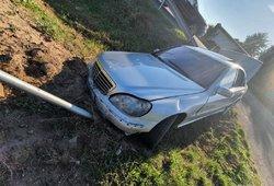 Policija ieško automobilį sudaužiusio ir iš įvykio vietos ant paspirtuko sprukusio vairuotojo
