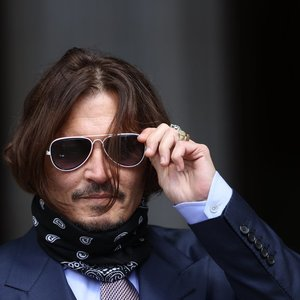 Londono teisme baigta nagrinėti aktoriaus Deppo šmeižto byla