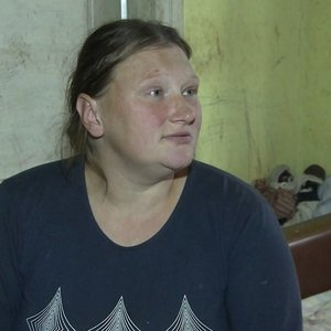 Vyro smurtą kentusi moteris neištvėrė: tylėti patarė socialinė darbuotoja