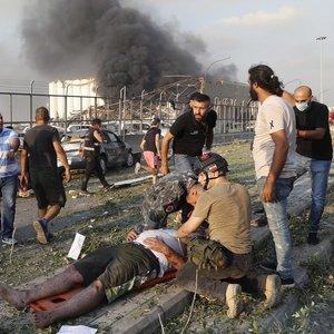 Beirute po galingo sprogimo išaugo mirčių skaičius, dar bent 5 tūkst. sužeisti