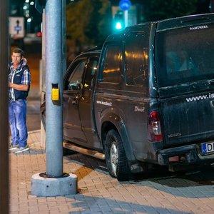 Vilniaus centre naktį girtas vairuotojas rėžėsi į stulpą