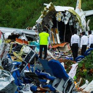 """""""Air India Express"""" lėktuvo katastrofos aukų padaugėjo iki 18"""