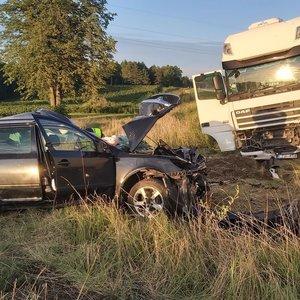 Tragiškas sekmadienio vakaras Radviliškio rajone: avarijoje žuvo 2 žmonės