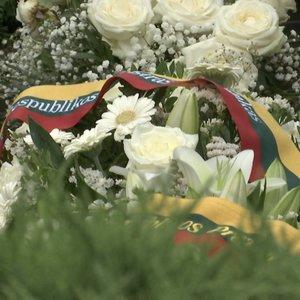 Minimos Medininkų žudynių metinės: artimieji iki šiol nesulaiko ašarų