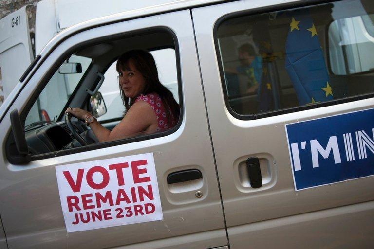 Britanijos rinkėjai balsuoja istoriniame referendume (nuotr. SCANPIX)
