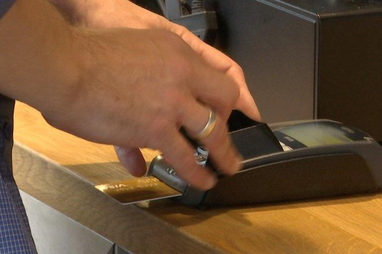 Atsiskaitymas banko kortele
