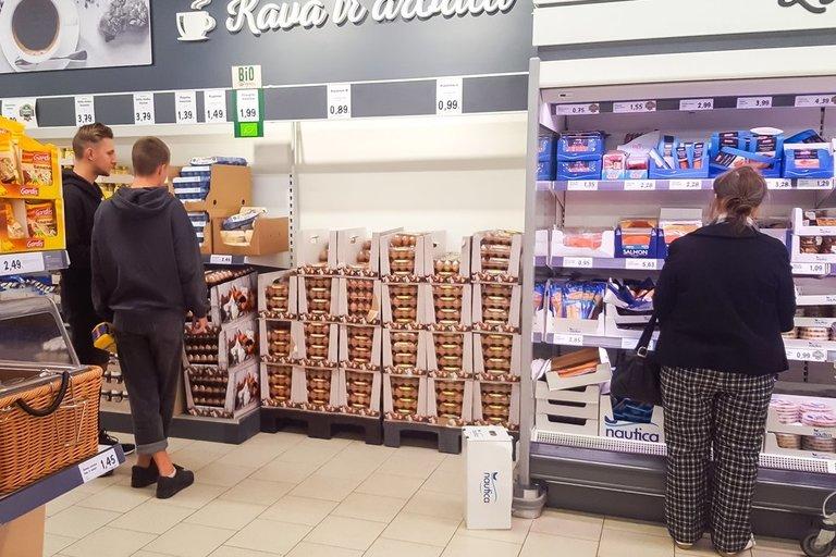 Parduotuvėje kiaušiniai nėra laikomi šaldytuve