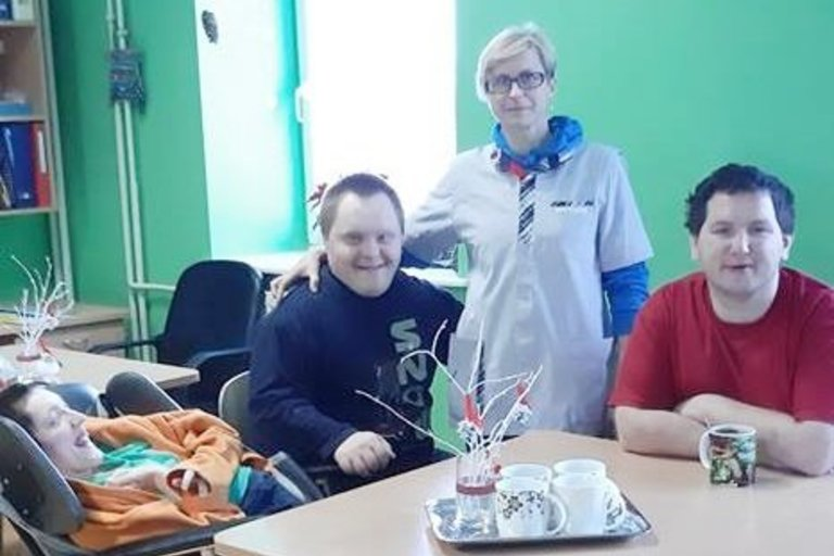 Pakruojo rajono Klovainių sutrikusio intelekto jaunuolių centre kiekvienas gali užsiimti mėgstama veikla. (Klovainių sutrikusio intelekto jaunuolių centro archyvo nuotr.)